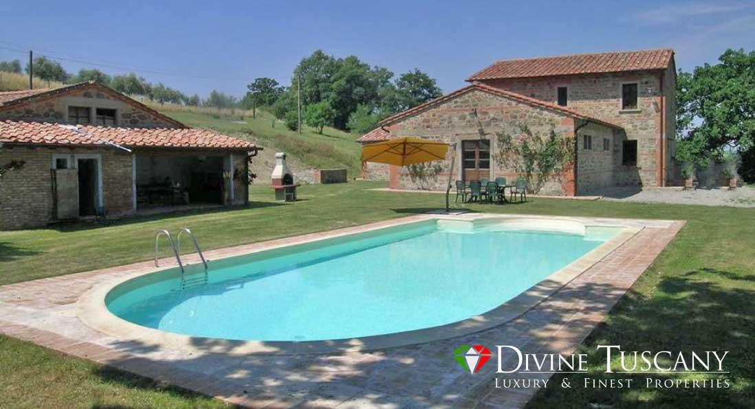Casale con piscina a pienza agenzie immobiliari n per la